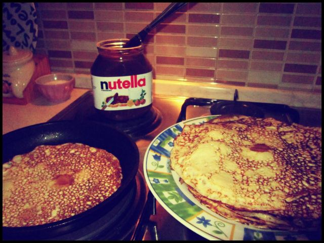 This was what the kids wanted to eat as soon as they got back home. Crepes with Nutella