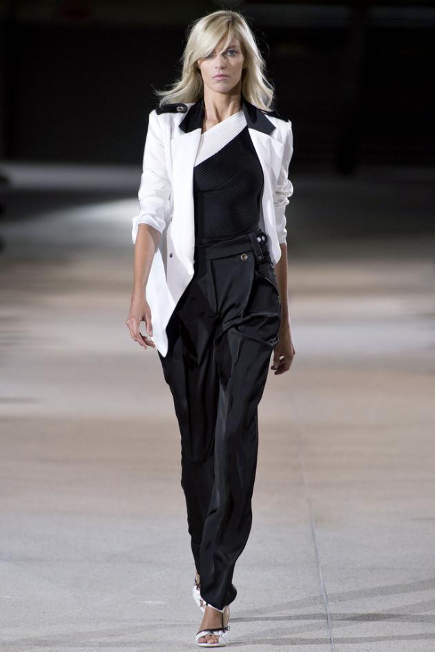 Paris_Fashion_Week_SS2013_RTW_Anthony_Vaccarello_01
